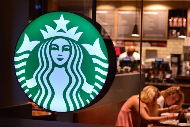 Starbucks chce rywalizować z gigantami fast food. Wprowadza ofertę lunchową