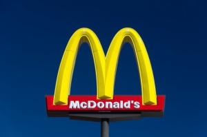 Pracownicy McDonald's chcą podwyżki płacy minimalnej do 15 USD za godzinę