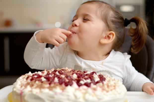 Dzień Dziecka: Najmłodszym częściej kupujemy słodycze niż zabawki