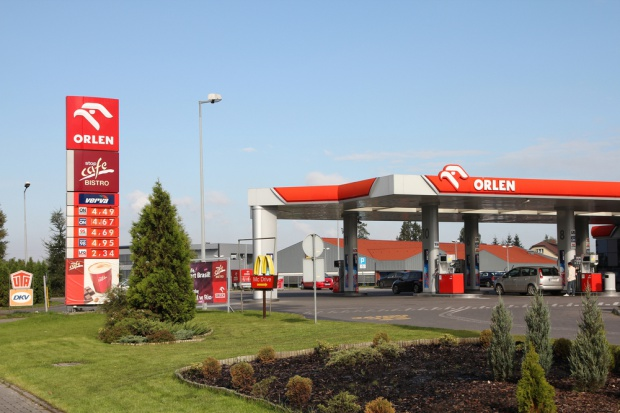 Kierowcy o stacjach paliw: Liczy się dostępność, mniej cena i dodatkowe usługi