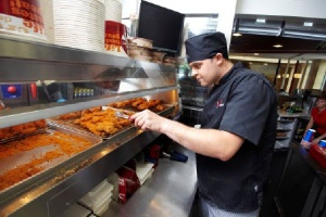 KFC w galerii Cuprum Arena rusza z usługą dostawy do domu