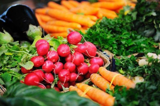 Produkty z Bronisz badane na obecność pestycydów