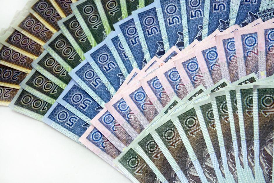 Rząd chce 2 tys. zł minimalnego wynagrodzenia za pracę w 2017 roku