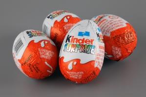 Chile zakazuje sprzedaży Kinder niespodzianki i Happy Meal