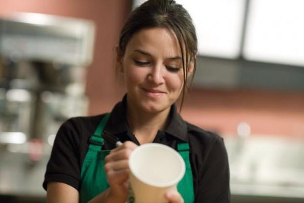 Starbucks ponownie pozwany o celowe oszczędzanie na mleku