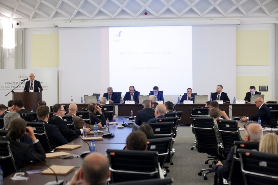 III Kongres Branży Spirytusowej: Potrzeba większej współpracy branży i administracji (zdjęcia)