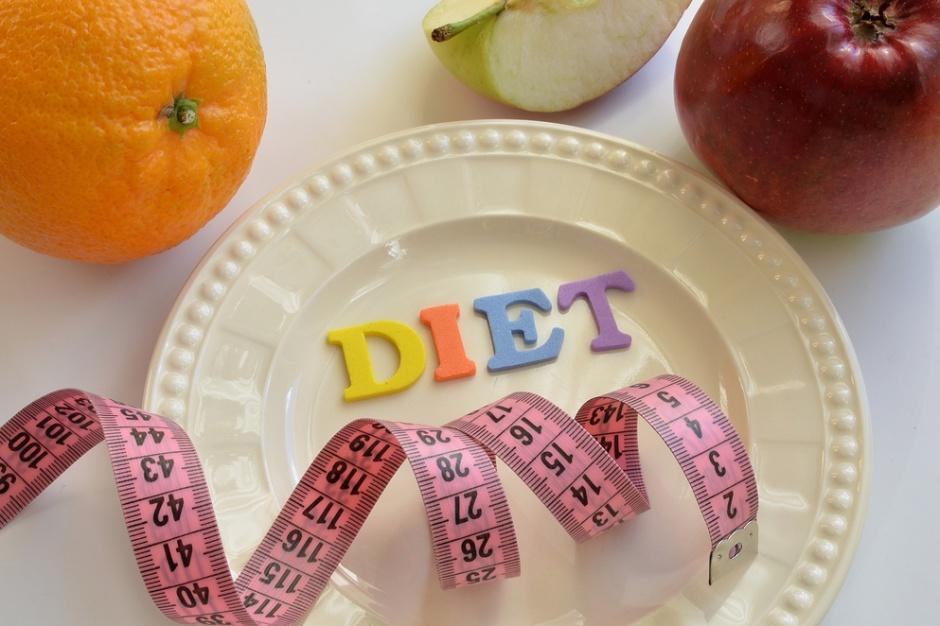 Dietetyk: Warto liczyć kalorie nawet w owocach