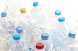 MŚ: Nowe opłaty nie wpłyną na cenę wody w stosunku do marży producentów napojów
