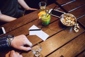 MF: Paragony z placówek gastronomicznych dadzą szansę na Opla Insignię