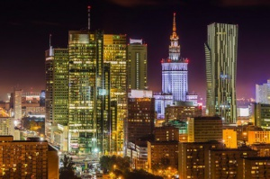 Polska gospodarka rozwija się dobrze, lecz są zagrożenia - raport MFW