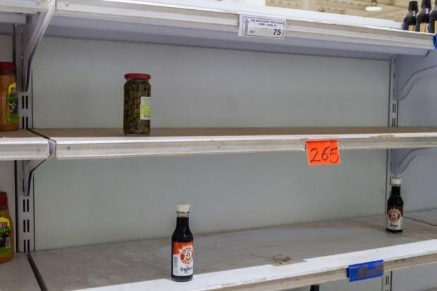 500 Wenezuelek sforsowało granicę z Kolumbią, by zrobić zakupy