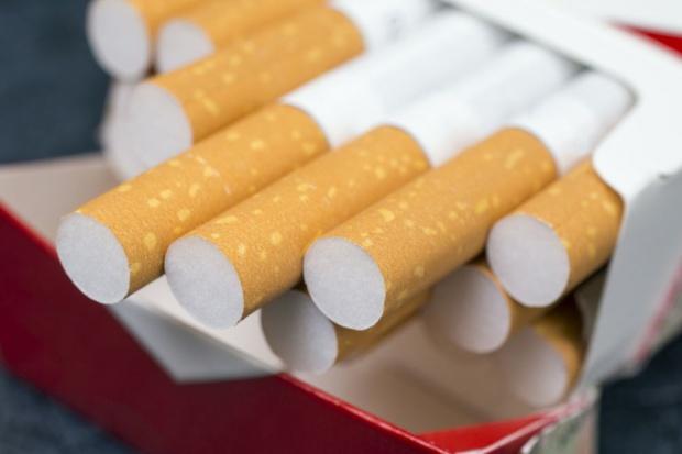 Przed wejściem unijnej dyrektywy producenci papierosów zrobili zapasy