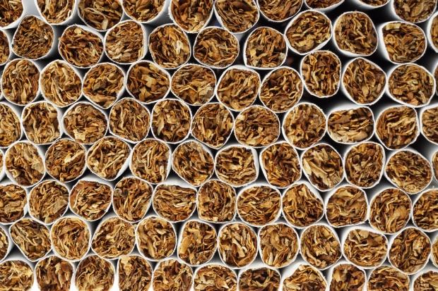 Branża tytoniowa chce wprowadzenia sankcji za przygotowanie podrabianych papierosów