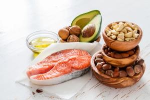 Naukowcy: Tłuszcze nienasycone pozwalają żyć dłużej
