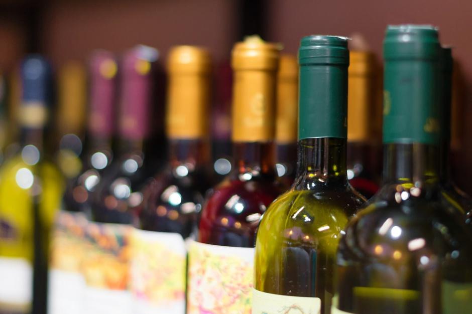 Wyborcza: ARR nasyła policję na dystrybutorów win