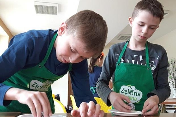 Biedronka zorganizowała warsztaty kulinarno-edukacyjne dla ponad 4000 uczniów