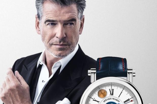Pierce Brosnan w reklamie zegarka z kroplą rumu