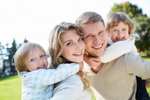Ekspert: 500 plus pomoże rodzinom, ale nie wiadomo czy poprawi dzietność