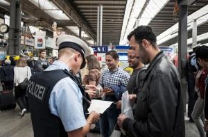 Niemcy stworzą 100 tys. miejsc pracy dla azylantów. Koszt 1 mld euro