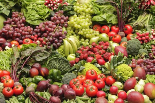 IERiGŻ: Ceny owoców w sezonie 2016/17 na obecnym poziomie; ceny warzyw w dół