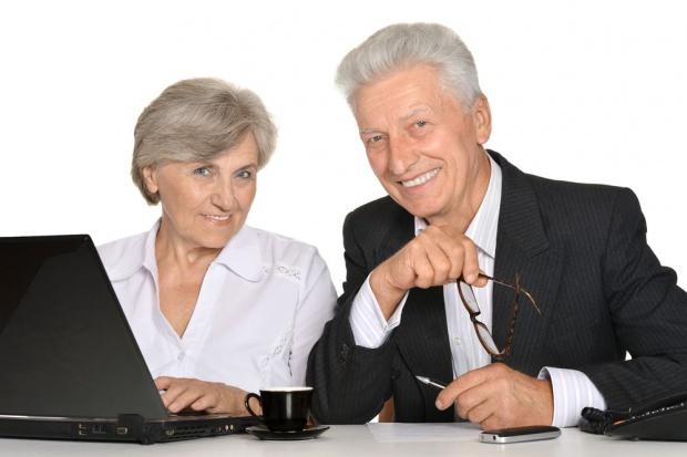 Pracodawcy za mało zabiegają o starszych pracowników