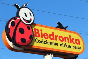 ŚDM ze stoiskami cateringowymi od Biedronki