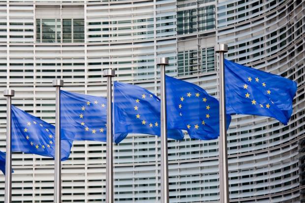 Komisja Europejska zapłaci rolnikom, którzy wyprodukują mniej mleka