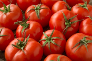 Spada globalna produkcja pomidorów