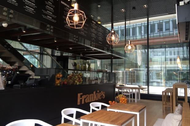 Gastronomiczny koncept Frankie's wchodzi do centrum Warszawy