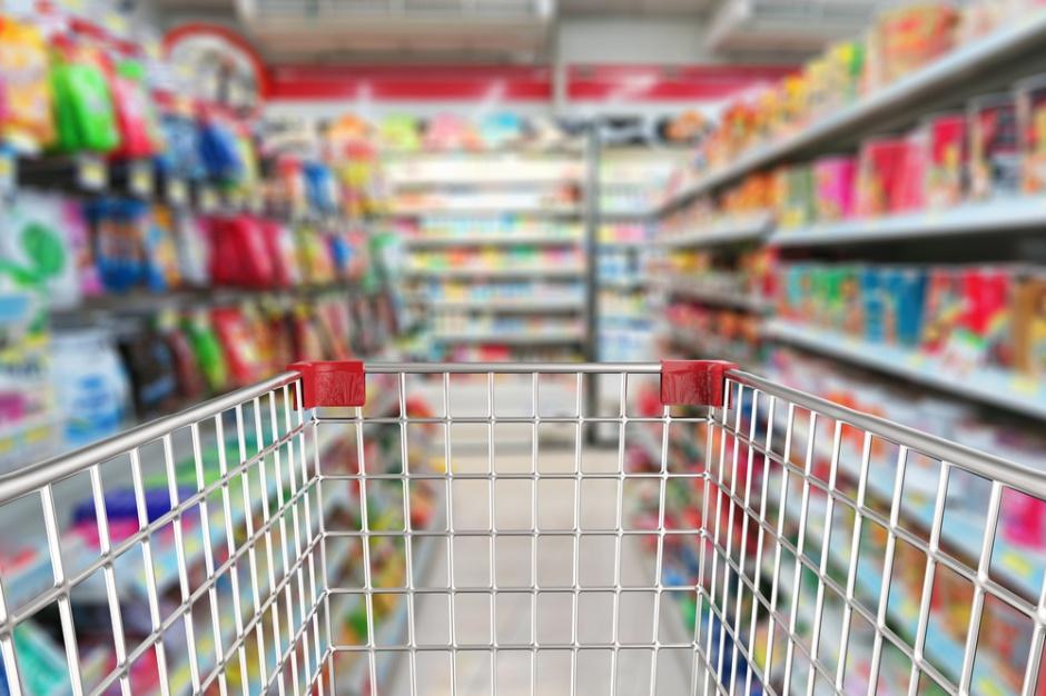 Maleje udział super- i hipermarketów na korzyść dyskontów i handlu online