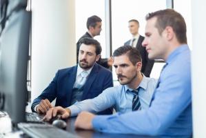 4 sposoby, by zwiększyć zaangażowanie pracowników sprzedaży