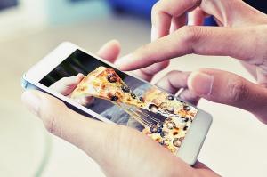 Jadłospis polskich internautów. Produkty spożywcze na portalach społecznościowych