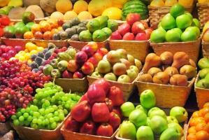 Owoce nadal bardzo tanie. Także te importowane