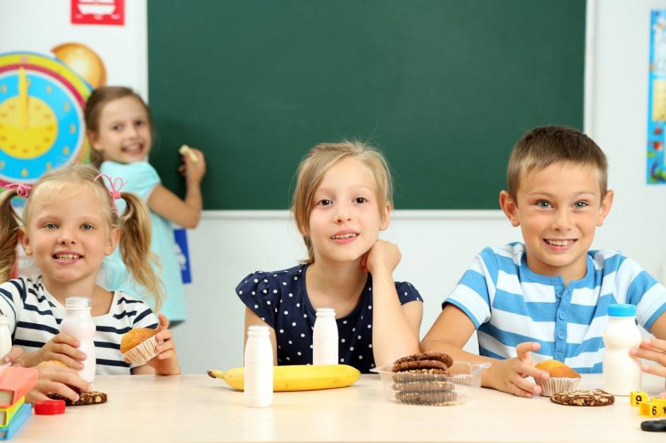 Sklepiki i stołówki szkolne z nowymi wytycznymi ministra zdrowia