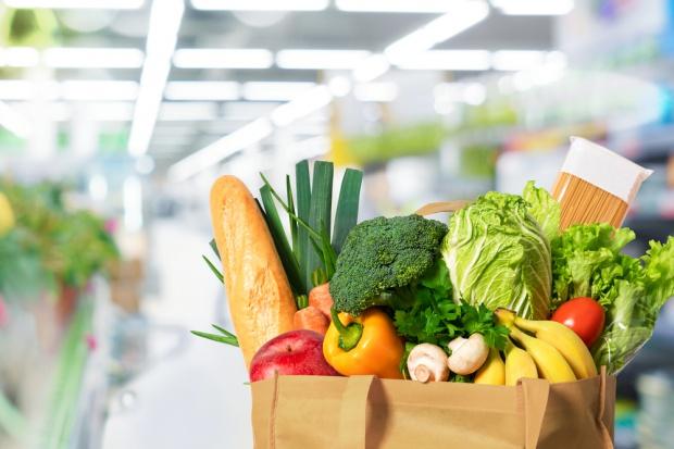 Marnowanie jedzenia: Sklepy będą miały nowe obowiązki