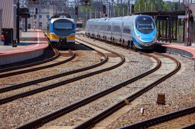 Trwa modernizacja torów kolejowych i budowa nowych przystanków