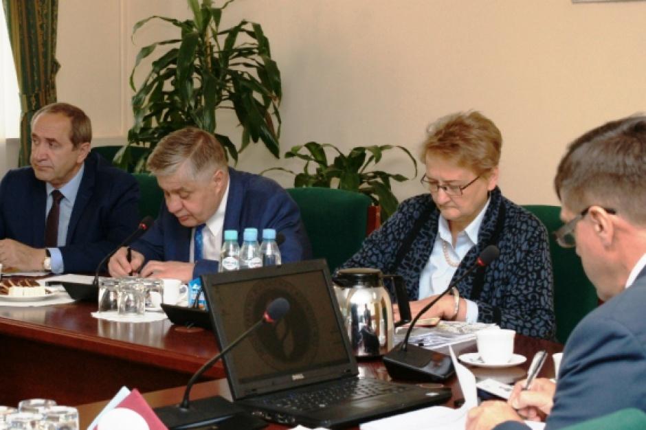 Odbyło się pierwsze posiedzenie międzyresortowego zespołu ds. ASF