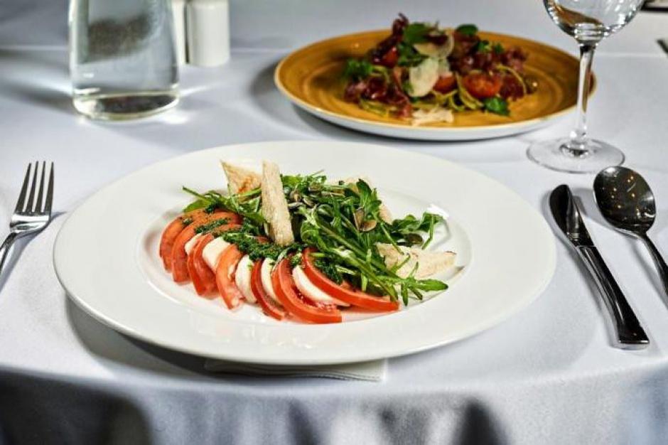 Oferta lunchowa szansą dla hotelowych restauracji na zdobycie nowego segmentu gości