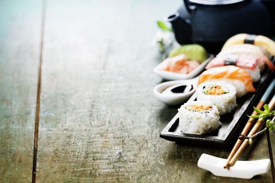 Czym różni się polskie sushi od japońskiego?