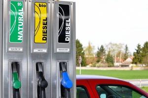 Możliwe podwyżki na stacjach paliw w ostatnim tygodniu wakacji
