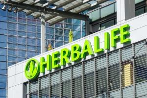 Duży spadek notowań Herbalife na nowojorskiej giełdzie