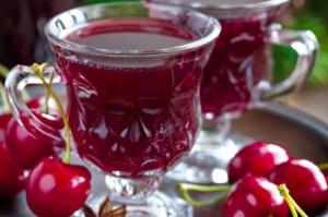 Produkcja win owocowych spadła w lipcu i po siedmiu miesiącach