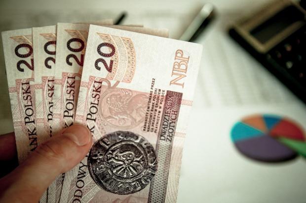 Podatek bankowy i handlowy: Budżet zyska tylko połowę tego, co planował rząd