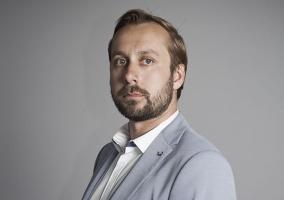 Wojna cenowa Lidla i Biedronki: Spadek rentowności czy wzrost liczby klientów?