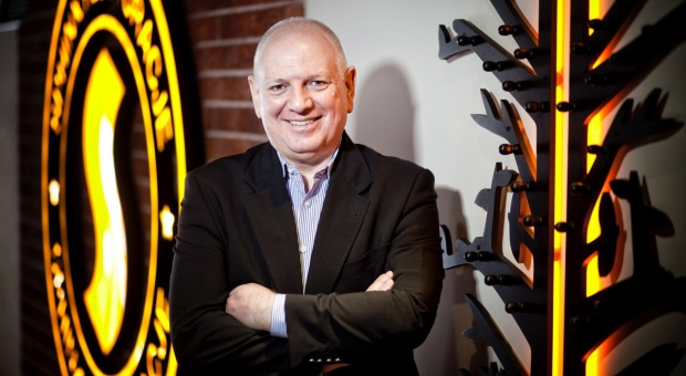 Jesteśmy otwarci na nowe - wywiad z Sylwestrem Cackiem, prezesem Sfinks Polska