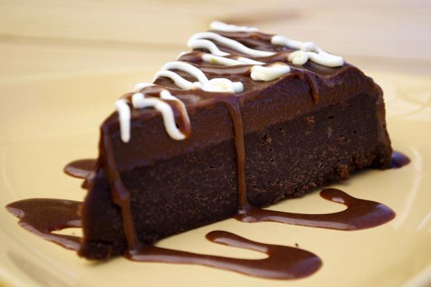 Czekoladowe desery zawierają seler i ryby? Zamieszanie przez unijne przepisy