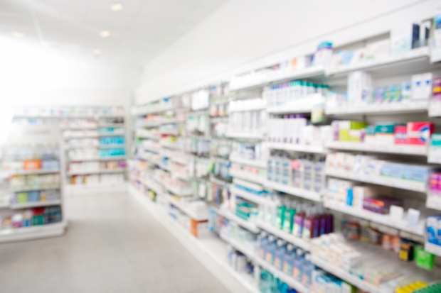 Farmaceuci chcą ograniczeń w sprzedaży leków poza aptekami
