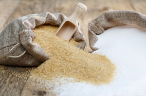 Chiny: Do maja 2016 r. import cukru mniejszy o połowę