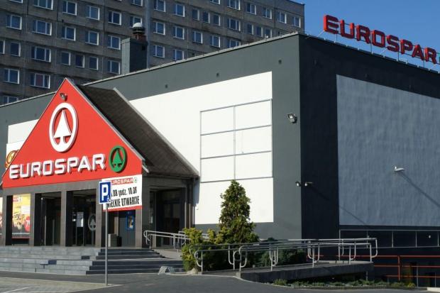SPAR z 220 sklepami, w tym z jednym o powierzchni 800 m2