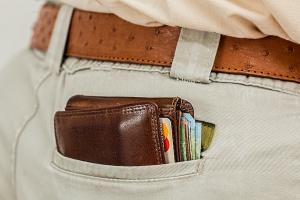 """Credit Agricole: Większa skłonność do oszczędzania ograniczy wpływ programu """"500+"""""""
